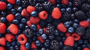 Black Raspberries vs. Blackberries: What's the Difference?