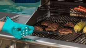 Never Burn Your Hands Again with These Polka Dot Silicone Oven Mitts