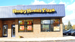 Heroic Pizza Shop Employees Mourn Death of Longtime Customer They Rescued
