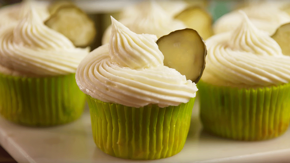 dill-pickle-cupcakes