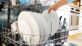 10 Kitchen Items You Shouldn't Put in the Dishwasher