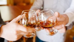 7 Healthy Reasons to Enjoy an After-Dinner Snifter of Brandy