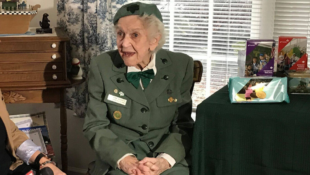 98-Year-Old has been Selling Girl Scout Cookies Since 1932